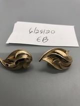 Vintage Crown Trifari Goldtone Clip On Earrings - $8.90