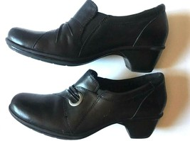 Clark's Woman's Size 8 Medium Black Slip On Solid Heel Work Career Shoes - £25.37 GBP