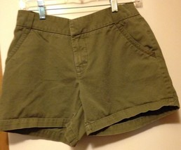 Lee Shorts Size 6 Cotton 28 Waist 5 Inseam Girls Or Ladies - $4.95