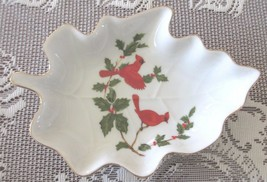 Vintage Lefton Porcelain China Leaf Shaped Dish Cardinal Holly Berries 1984 - $10.00