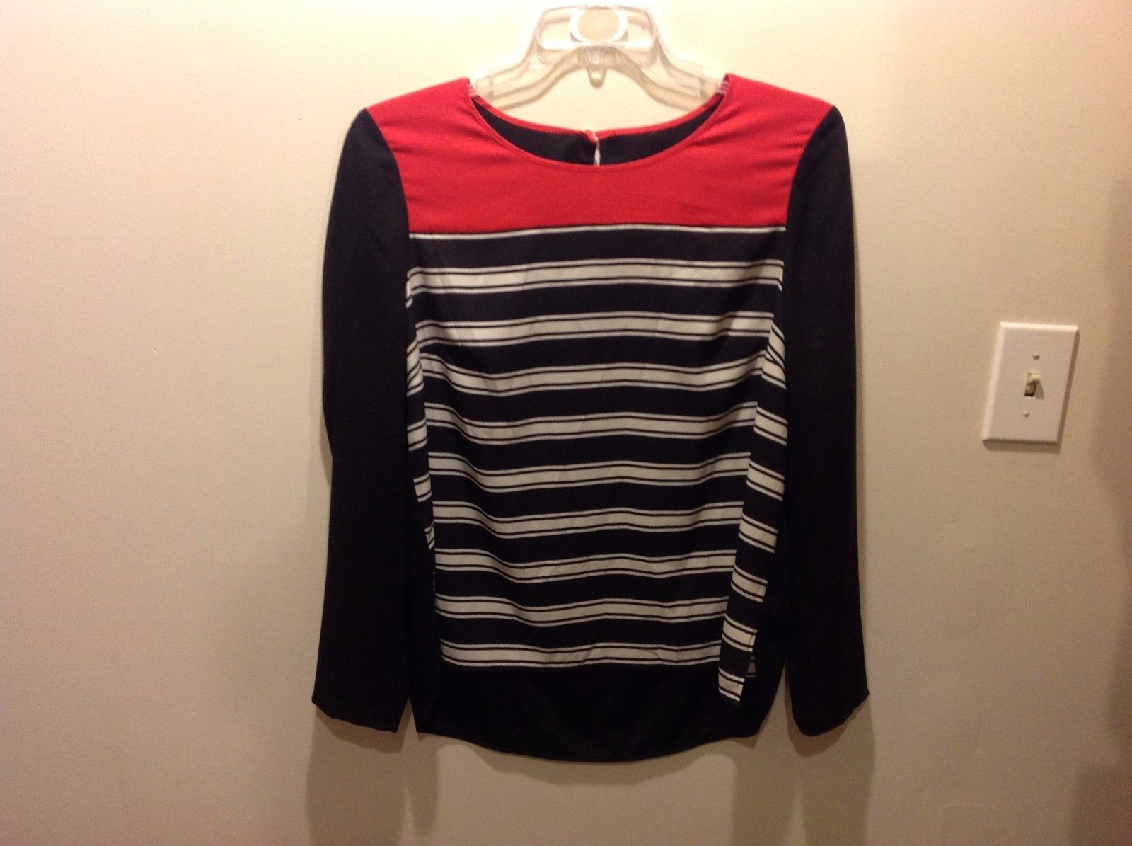 Red White Black Thin Long Sleeve Blouse w Horizontal Striped Front Sz M