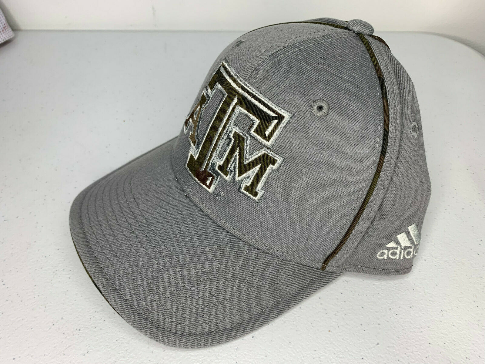 Primary image for NEW SMALL/MEDIUM Adidas TEXAS A&M AGGIES CAMO Cap Hat Structured Flex Fit FITTED