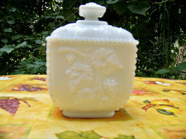 """Westmoreland Milk Glass Square Covered Candy Dish Pattern Mark """"W"""" Insid... - $14.97"""