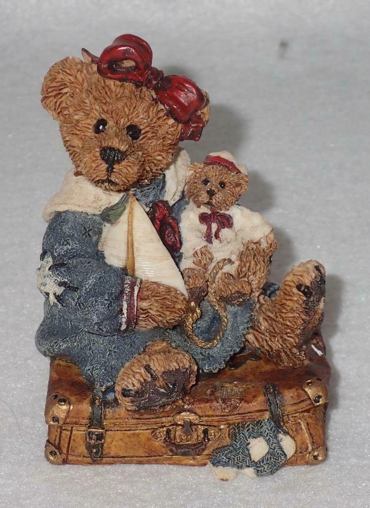 Boyd Bearstone Resin Bears 1993 Bailey Bear With Suitcase Figurine #2000 14E NEW