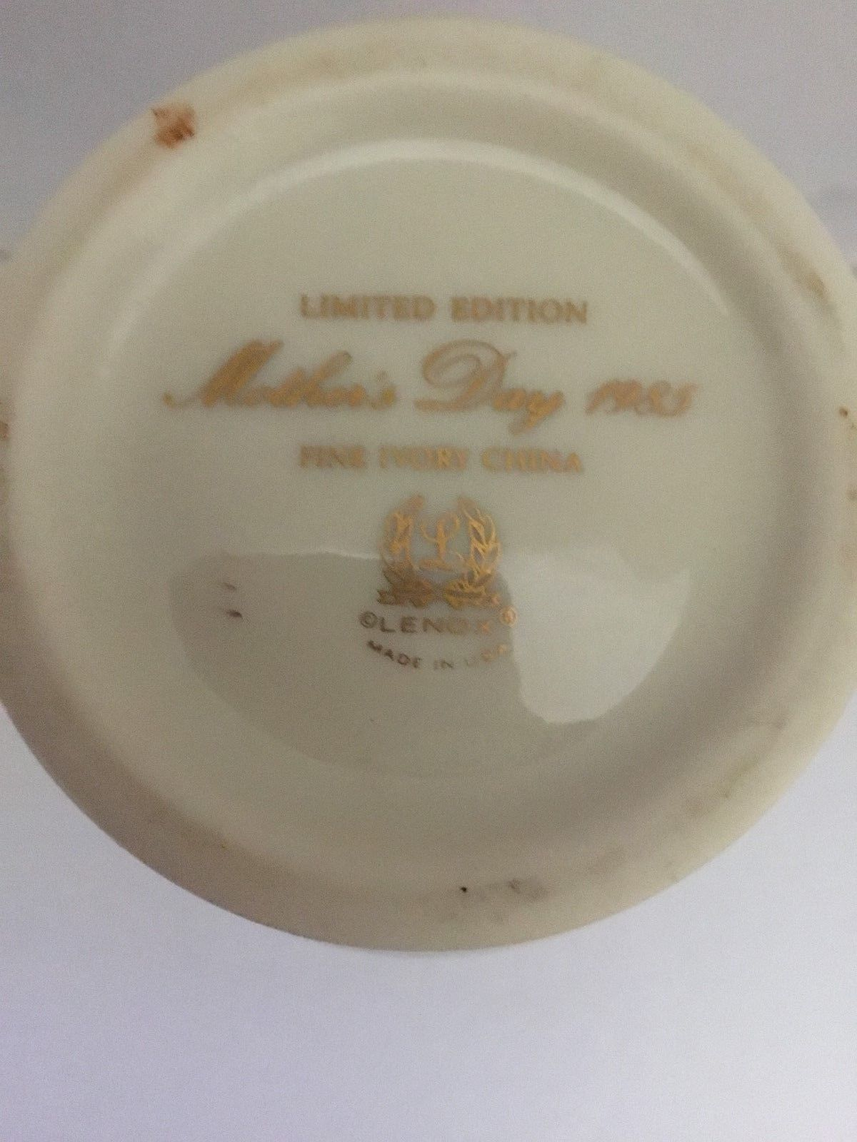 LENOX FINE IVORY CHINA VASE MOTHERS DAY 1985 LIMITED EDITION MADE IN USA EUC