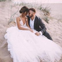V-Neck Lace Sheer A-Line Wedding Dress Sleeveless Formal Wedding Wear