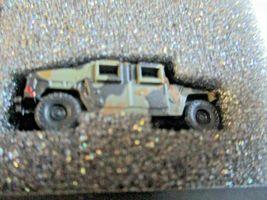 Micro-Trains # 49945954 Desert Camo Humvee Vehicle 2 Pack N-Scale image 3