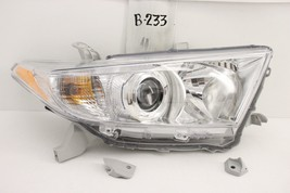 Oem Head Light Headlight Lamp Headlamp Toyota Highlander 11 12 13 Chip Mounts - $59.40