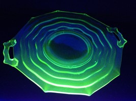 "Jenkins Green Pressed Glass 11 3/8"" Handled Plate OCEAN WAVE No 190 Tea ... - $23.07"