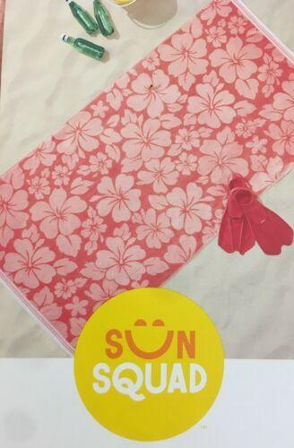 XL Hibiscus Beach Towel Coral - Sun Squad