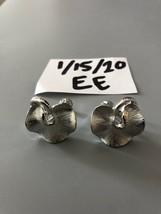 Vintage Silvertone Lisner Signed Screw Back Earrings - $11.87