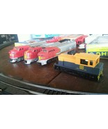 FREE SHIPPING! Vintage H O Scale Santa Fe Railroad 4 Locomotives + 11 Cars - $135.00