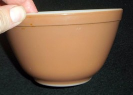 Brown Pyrex 401 1 1/2 Pint Mixing Bowl - -No Res. - $9.95
