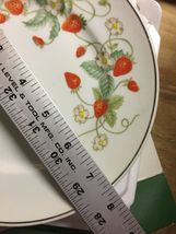 VTG 70s AVON Strawberry Porcelain 22K Gold Rimmed Collector's Plate/6 Soaps~NIB image 5