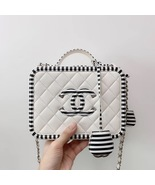 NEW AUTH CHANEL 2019 WHITE CAVIAR FILIGREE CC SMALL VANITY CASE BAG RARE - $4,599.00