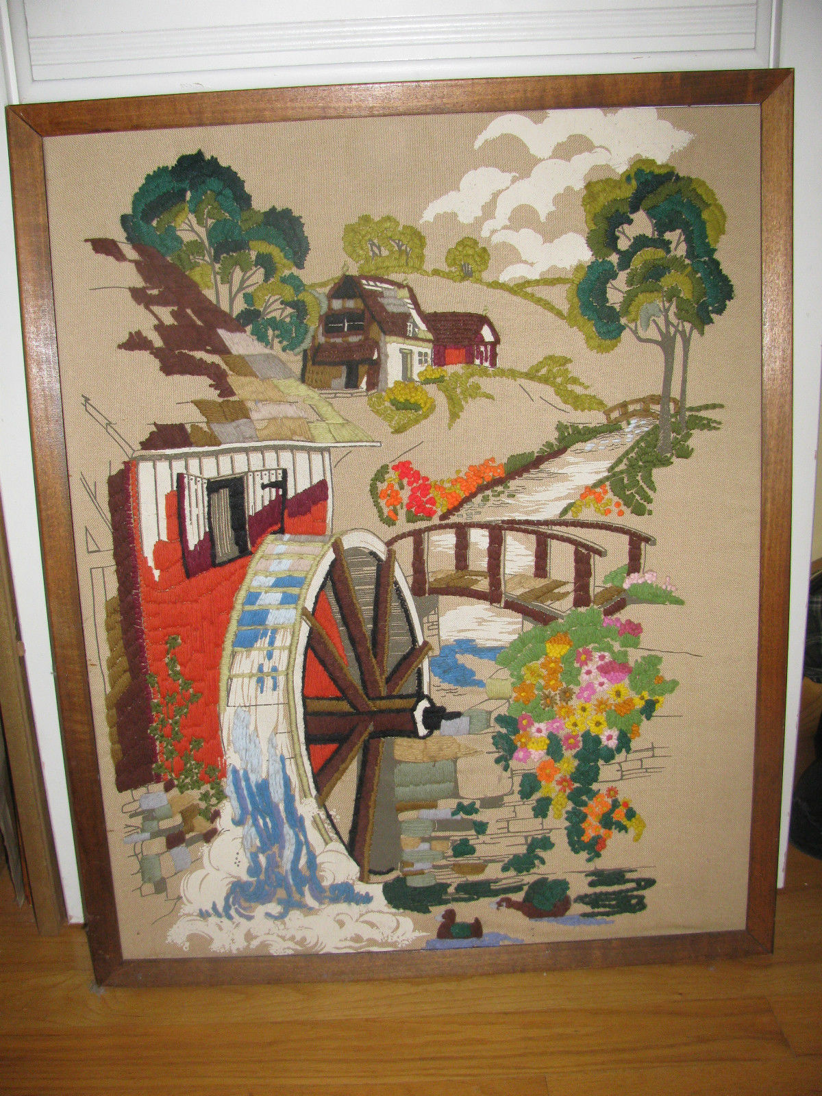 """VINTAGE CREWELL PICTURE 32"""" X 26"""" VERY OLD-WATERMILL-HOUSE-ARCHED BRIDGE-FLOWERS"""