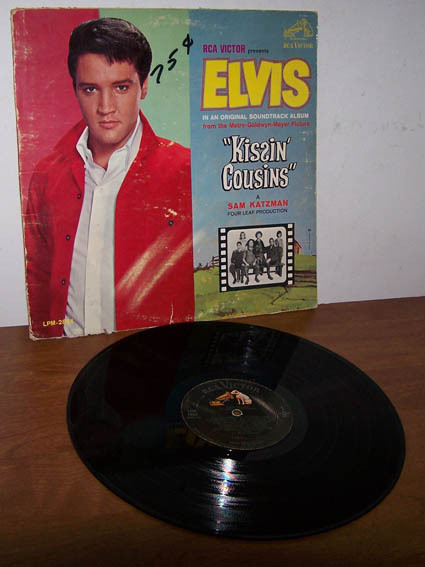 Elvis kissincousins