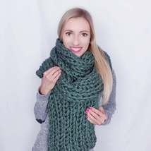 Hand knit long scarf women Extra large winter scarf Knitted big shawl Gr... - €63,78 EUR