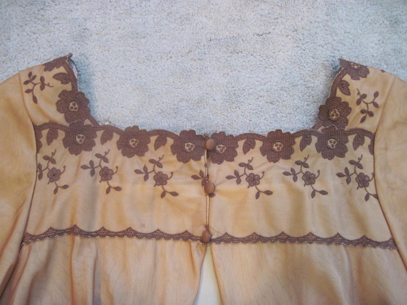 Peignoir Set, Warner's Vintage Gown and Robe  Med