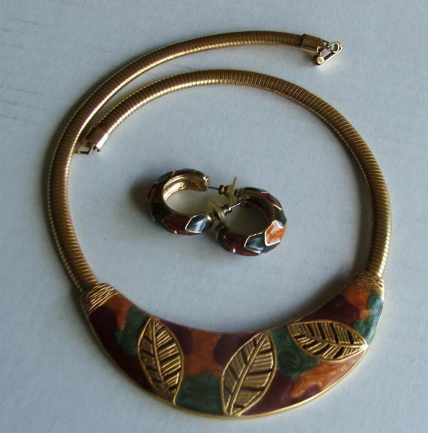Gold and black leaf necklace