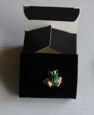 Avon Gold and Green Frog Tac Pin with Rhinestone eyes