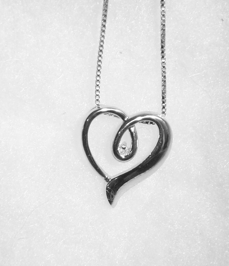 Diamond loop heart ss
