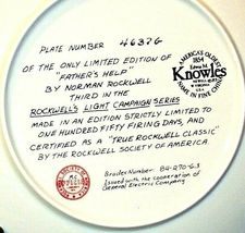 """1983 """"Father's Help"""" by Norman Rockwell Plate with Box ( Knowles ) AA20-CP2189 V image 4"""