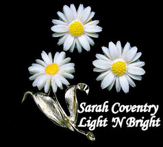 "Sarah Coventry Plastic Daisy Brooch & Earrings ""Light n Bright"" In Origi... - $19.95"