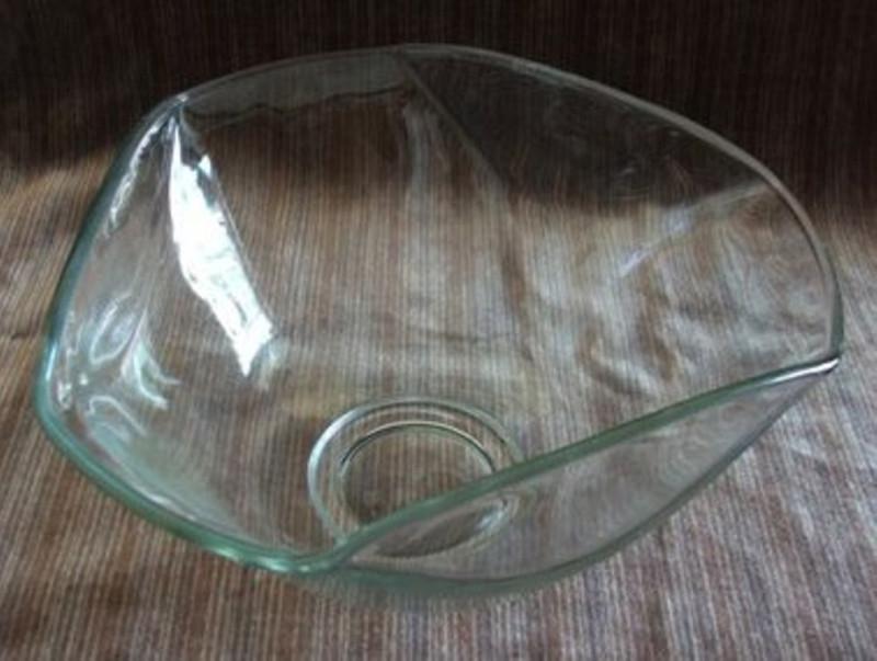 Set of 2 Matching Glass Hexagonal Serving Bowls NICE