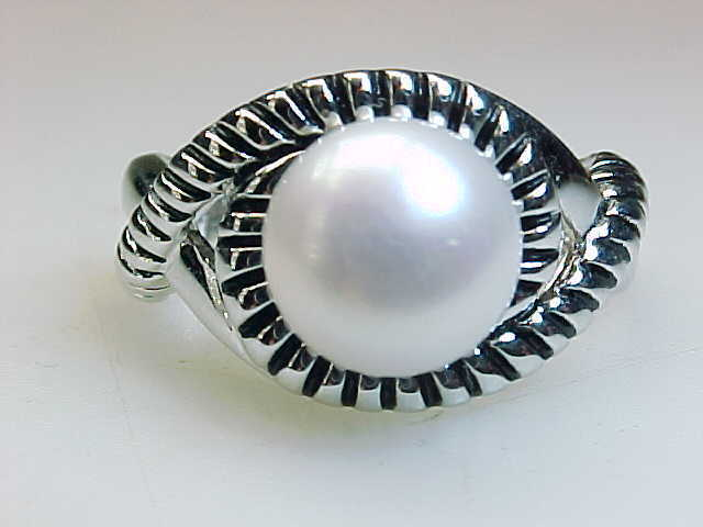 Primary image for Vintage Genuine PEARL RING in STERLING SILVER - Size 8