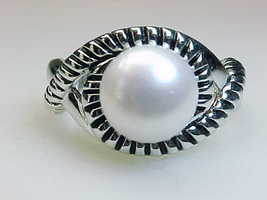 Vintage Genuine PEARL RING in STERLING SILVER - Size 8 - $80.00