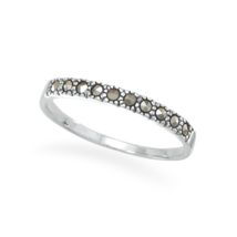 Thin Marcasite Band Ring - €21,64 EUR