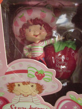 STRAWBERRY SHORTCAKE BERRY MERRY CHRISTMAS SCENTED HOLIDAY ORNAMENT 2004... - $9.49