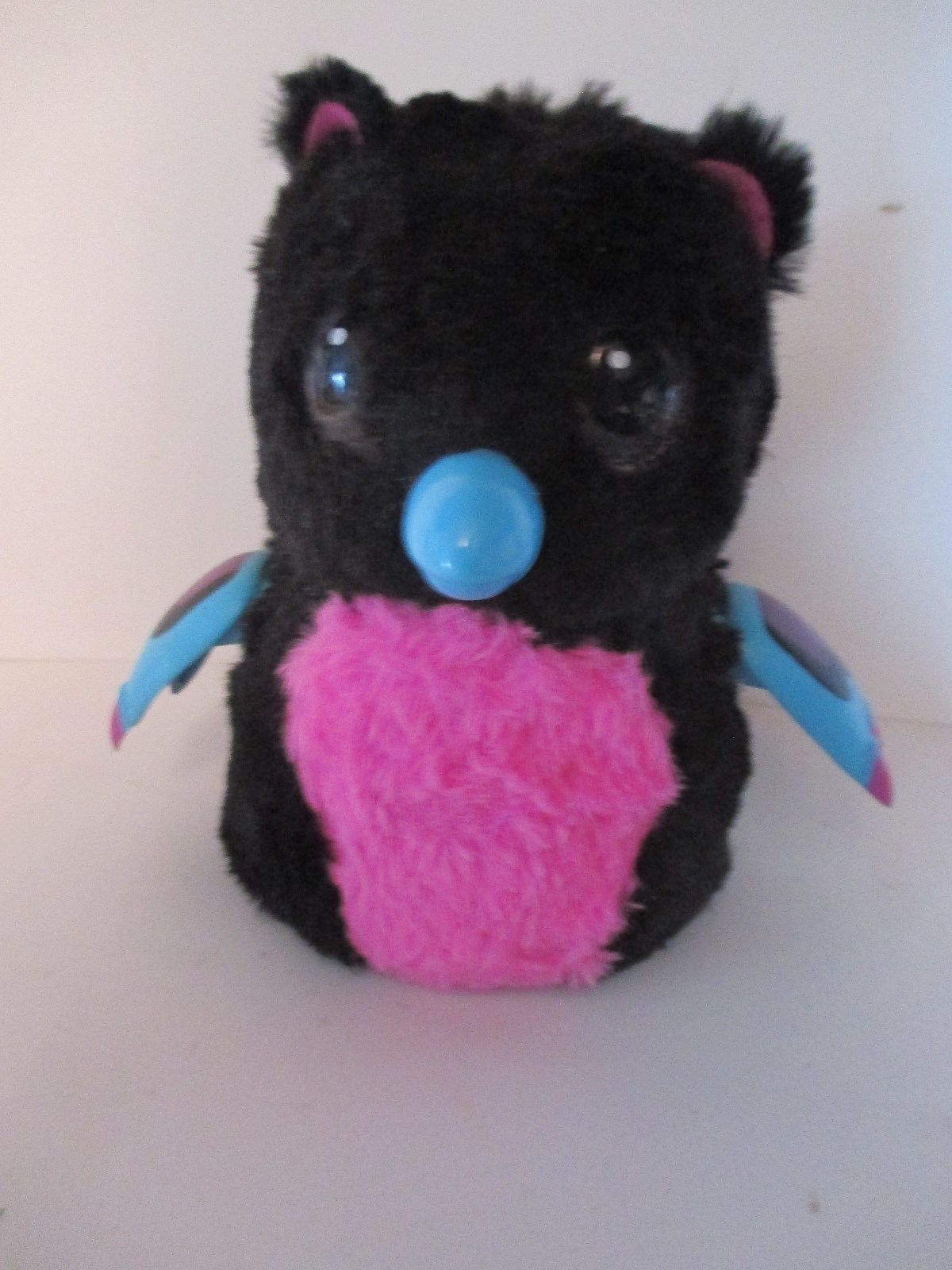 Spin Master Hatchimals Glittering Garden Owl / Penguin Black Pink Animated