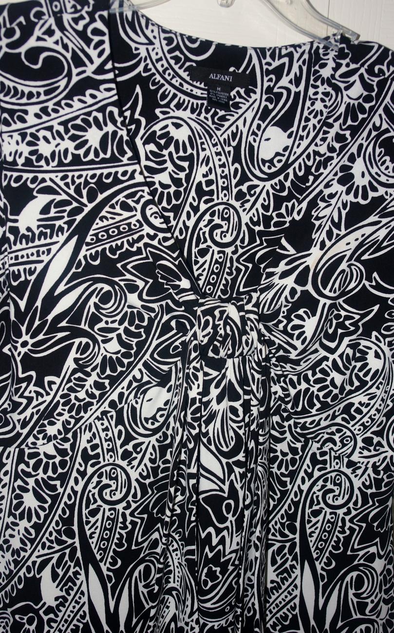 Alfani Black & White Dress size Med.