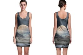 Moon in Mountain BodyCon Dress - $426,55 MXN+