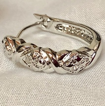 VTG X's/Diamond Shapes Rhodium Plated Leverback Pierced Hoop Earrings/Gift Case image 7