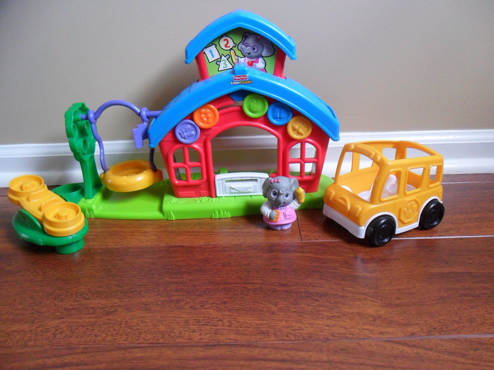 Fisher-Price LITTLE PEOPLE School House P8980 Miss L. Afina's Schoolhouse Set