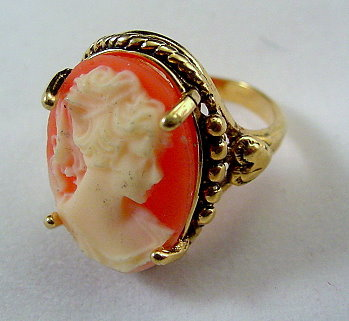 Faux Cameo 14 HGE Vintage Ladies Ring