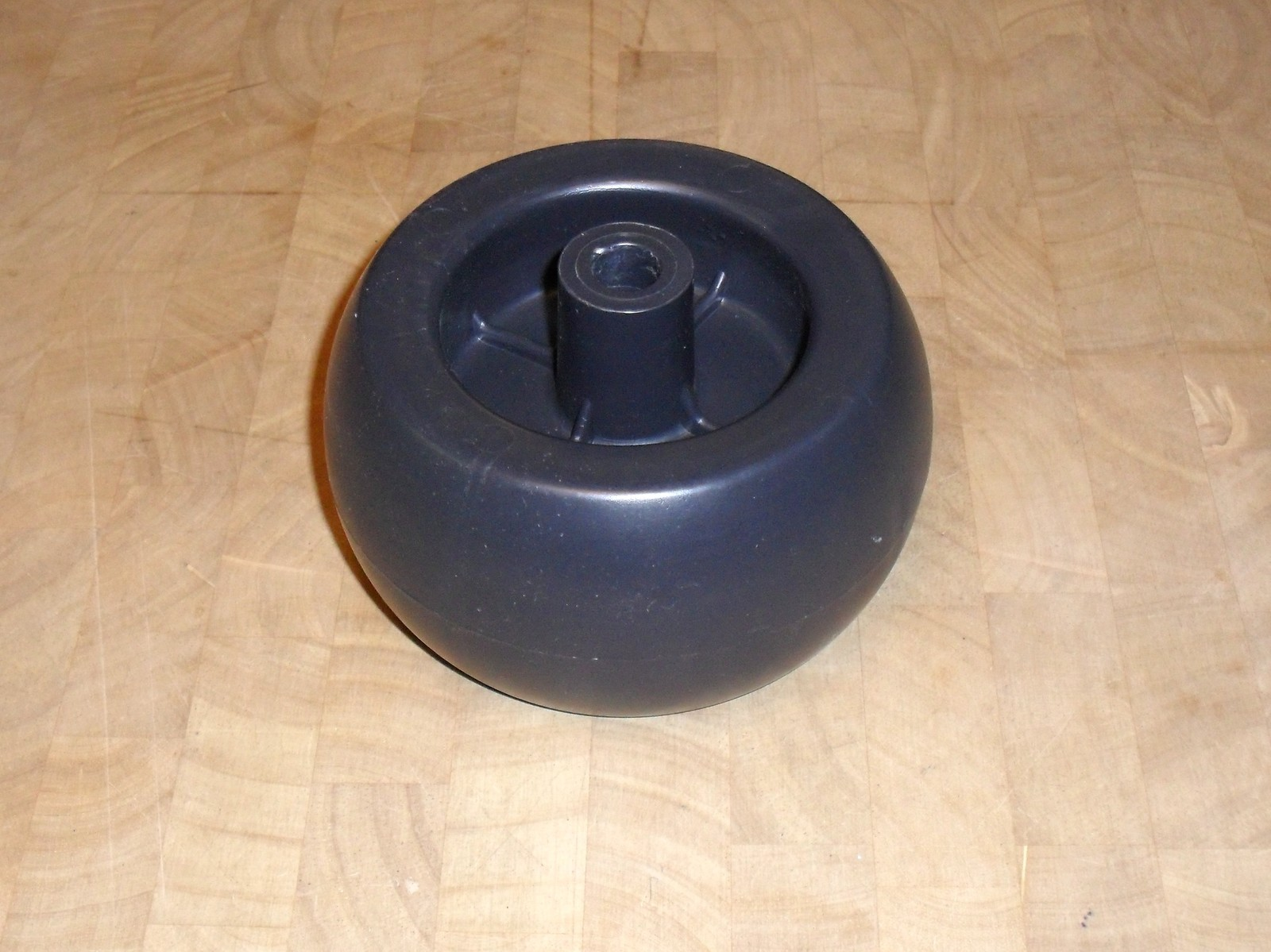 Encore lawn mower deck roller wheel 031997