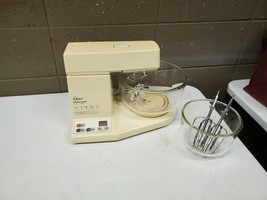 Oster Desighner Kitchen Center W/ 2 Mixing Bowls and Mixers (dd) (g23) - $70.08