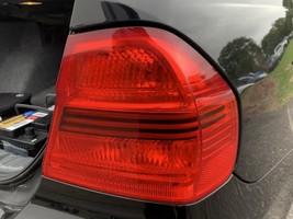 2006 - 2008 BMW 330i E90 E91 Passenger Tail Light Lamp Lens 63217161956 - $29.69