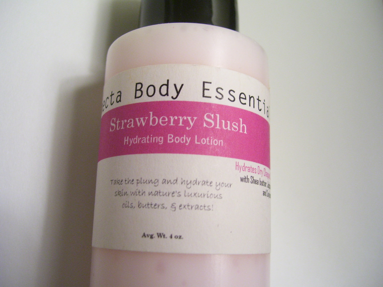 Hydrating Body Lotion - 4oz Strawberry Slush w/ Free Ramie Exfoliating Pad
