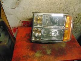 07 08 10 11 12 13 14 09 GMC Sierra oem drivers side left headlight assembly - $39.59