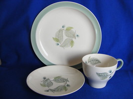 "Wedgwood Woodbury Cup Saucer 8.25"" Salad Plate Bone China - $19.95"