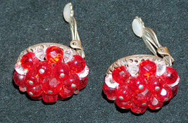 Vintage Retro Mid Century Unmarked Clip On Earrings Costume Jewelry - $10.87