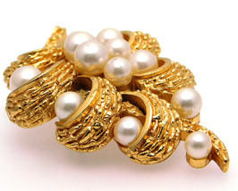 Vintage Crown Trifari Brooch Faux Pearl & Textured Gold Tone Cluster Style - $16.95