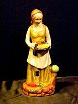 UCGC Old Woman Figurine Vintage AA19-1462 image 7
