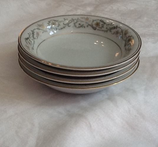 Primary image for Noritake Creston set of 4 berry bowls 1960s Mid Century 6223 Mint Condition