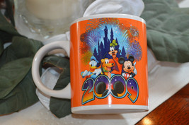 Disney 2009 Jerry Leigh Mickey Mouse Goofy Pluto Donald Duck Cup Mug Col... - $23.52